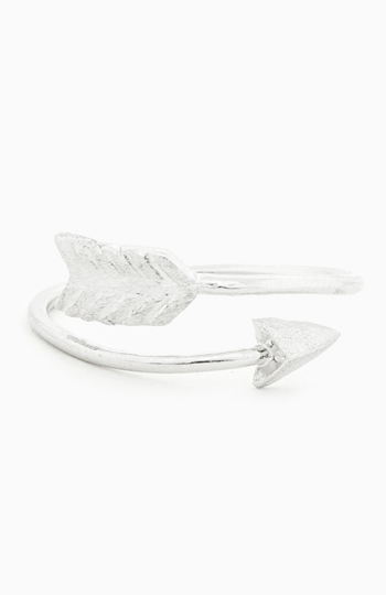 Curved Arrow Ring Slide 1