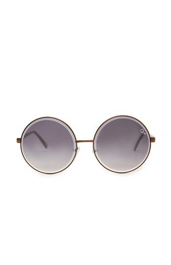 Quay Round Lens Sunglasses Slide 1