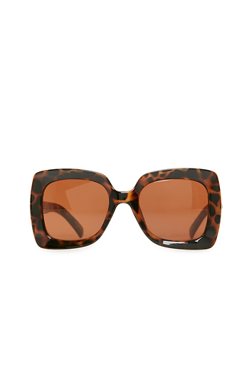 Quay OMG Pinch Square Sunglasses Slide 1