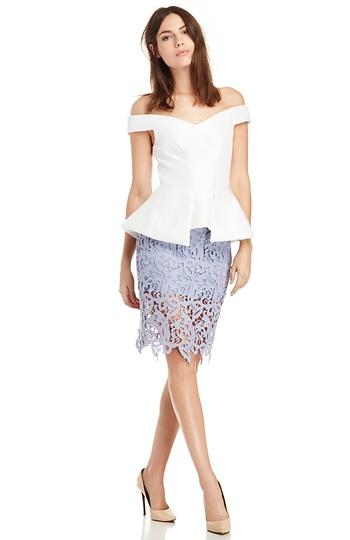 Venetian Lace Skirt Slide 1
